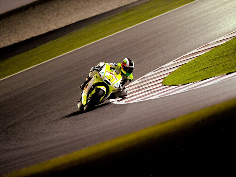 Aleix Espargaró in action in Qatar