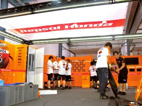 Repsol Honda staff Mounting the Repsol Honda garage