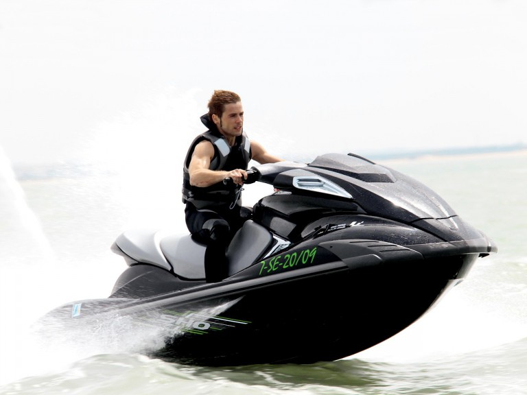 Alvaro Bautista enjoys on jetskis at Puerto de Santa María