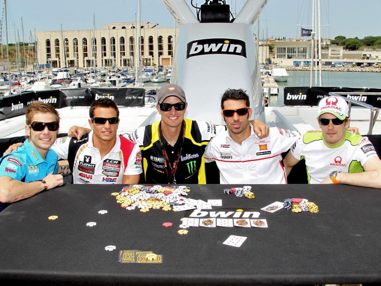 Bautista, De Puniet, Edwards, Melandri and Kallio enjoy a game of bwin poker