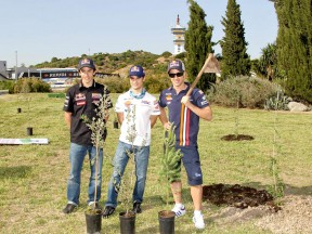 Marquez, Pedrosa and Dovizioso planting trees at the MAS Project presentation