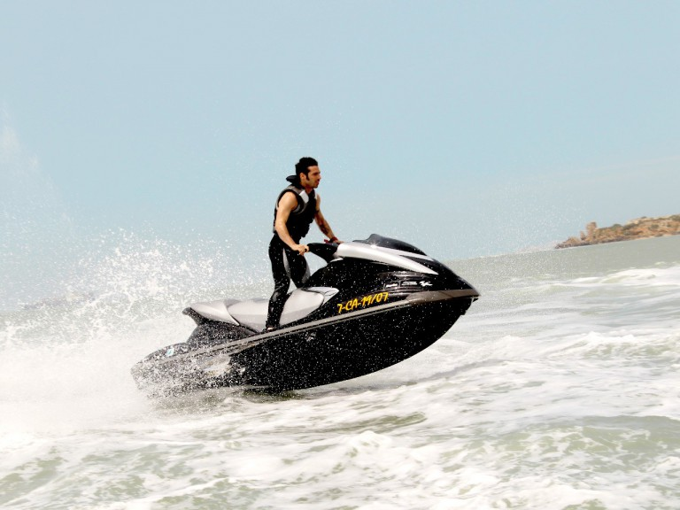 Marco Melandri enjoys on jetskis at Puerto de Santa María