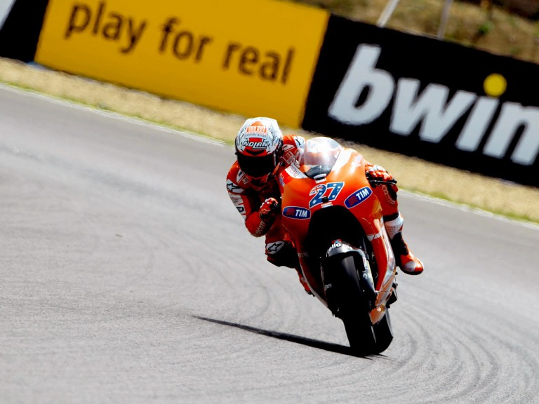 Casey Stoner in action during FP1 in Jerez