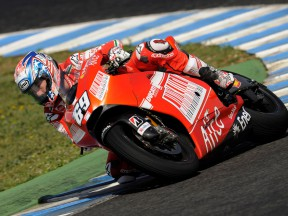 Nicky Hayden in action in Jerez