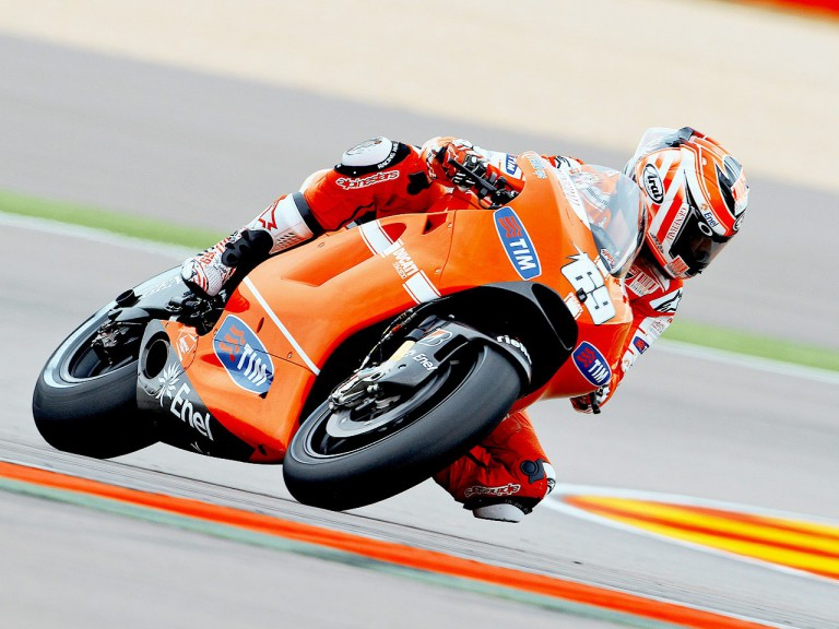 Nicky Hayden in action at Motorland Aragón