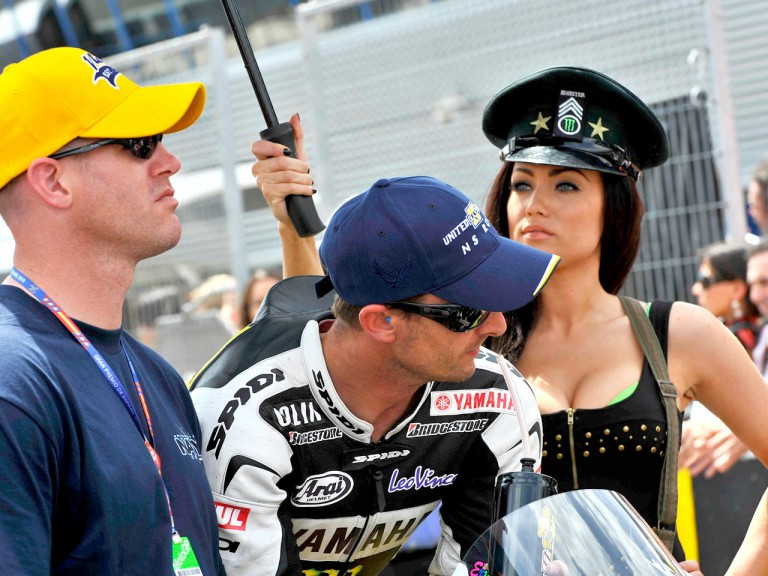 Colin Edwards at the starting grid in Jerez