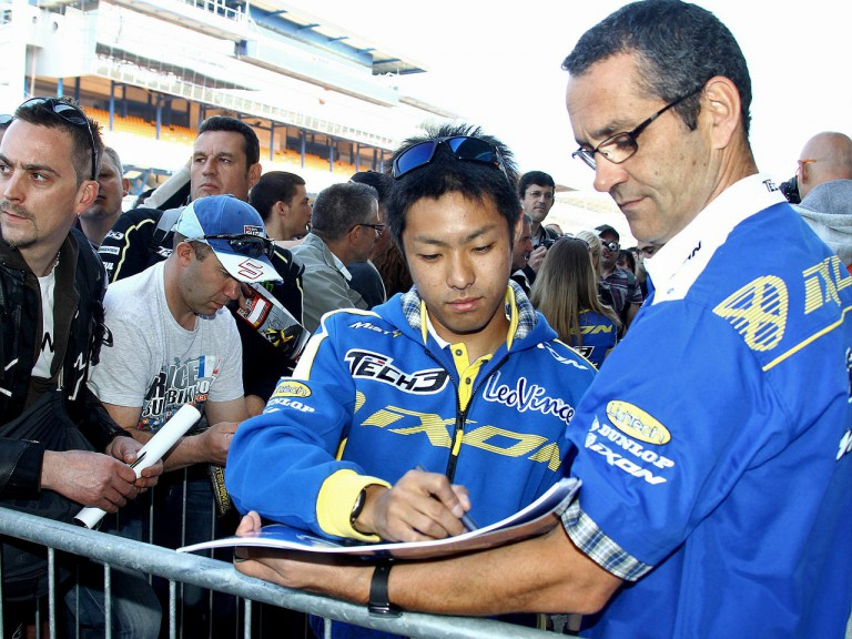 Yuki Takahashi meets the fans in Le Mans