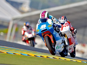 Espargaró in action during FP2 at Le Mans