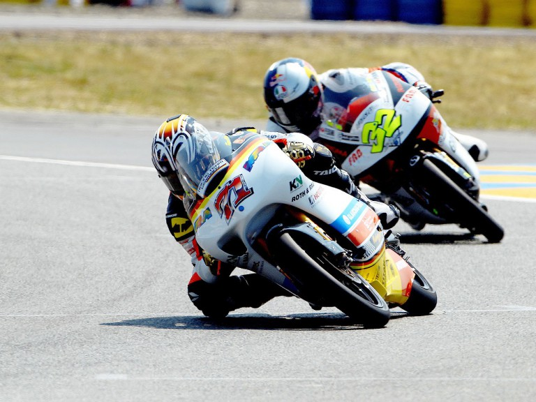Koyama and Savadori in action in Le Mans