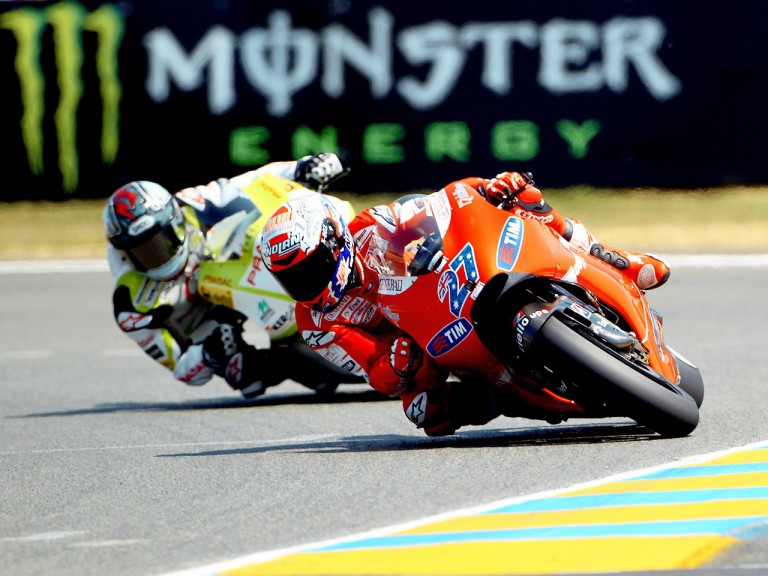 Stoner riding ahead of Kallio in Le Mans