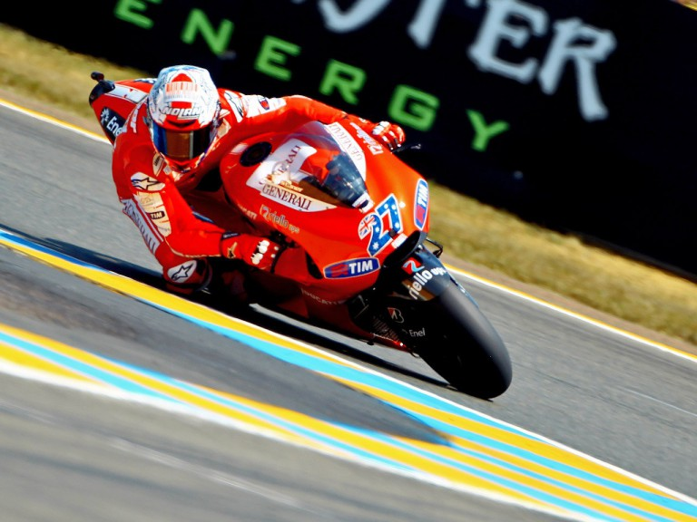 Stoner on track in Le Mans