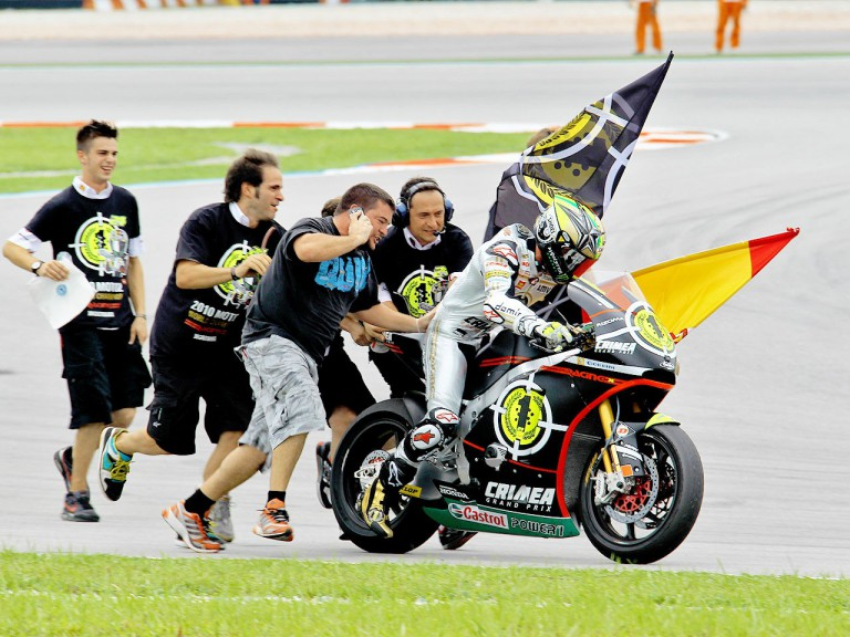 Toni Elías celebrates 2010 Moto2 World Championship at Sepang
