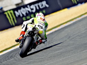 Aleix Espargaró in action in Le Mans