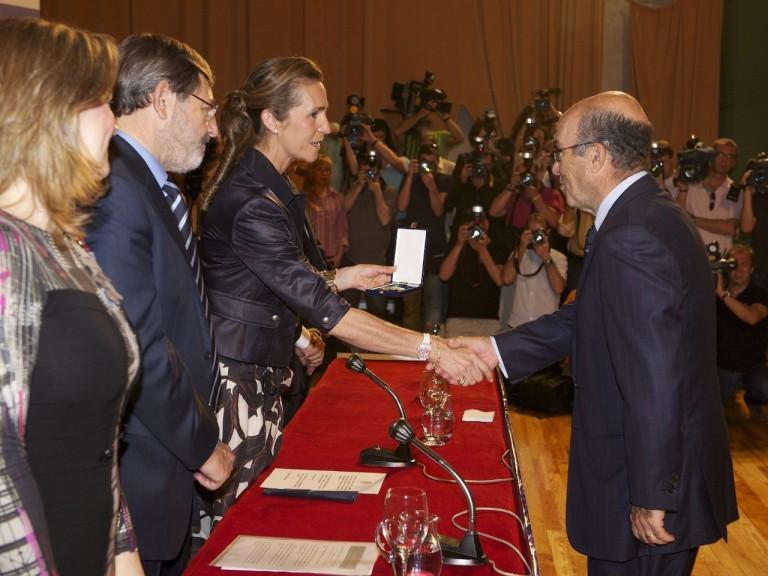 Carmelo Ezpeleta awarded the Gold Medal of Sporting Merit