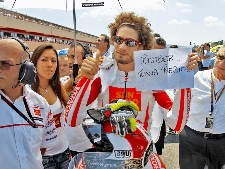 Marco Simoncelli sends a get well message to Valentino Rossi