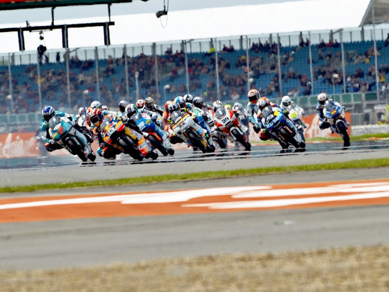125cc Group in action at Silverstone