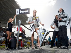 Paddock Girl at the bwin Grande Premio de Portugal © Alexandre Chailan & David Piolé