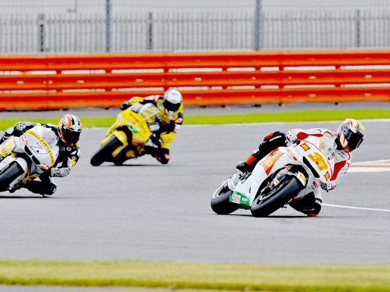 Melandri riding ahead of Aoyama and Barberá at Silverstone