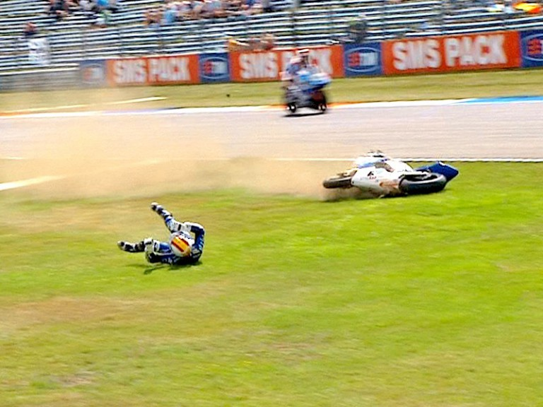 Alex Debon crashes during QP in Assen