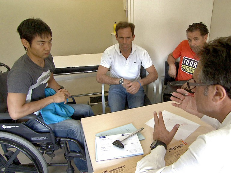 Hiroshi Aoyama in a medical consultation