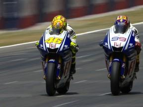 Rossi overtakes Lorenzo at Catalunya 2009