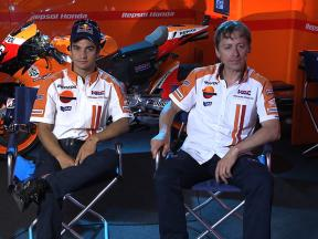 Repsol Honda's Dani Pedrosa and Mike Leitner discuss weight distribution