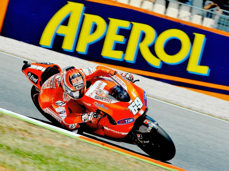 Nicky Hayden in action at the Catalunya Circuit