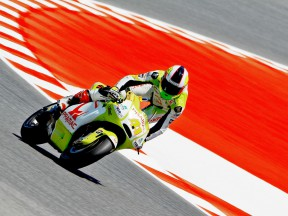 Aleix Espargaró in action at the Catalunya Circuit