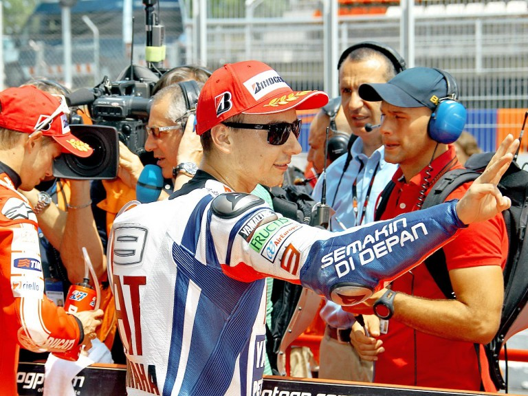 Jorge Lorenzo in the parc fermé after QP at the Catalunya Circuit