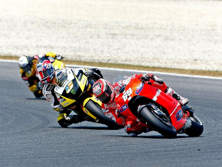 Nicky Hayden riding ahead of Edwards at the Catalunya Circuit
