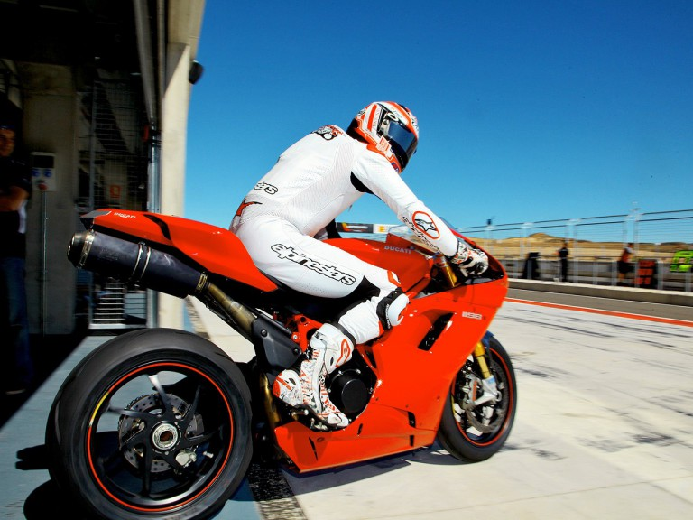Nicky Hayden leaving the box at the  Aragon Motorland Test
