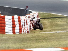 Simoncelli´s bike after crash at the Catalunya circuit