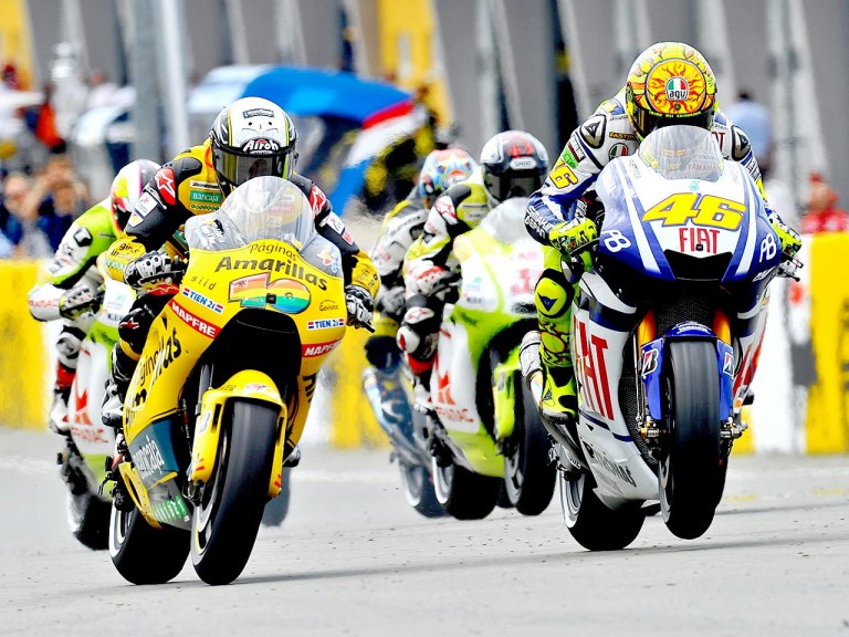 Barberá and Rossi at the start of the race in Sachsenring