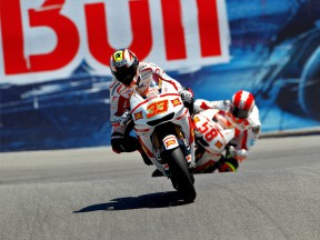 Melandri riding ahead of Simoncelli in Laguna Seca