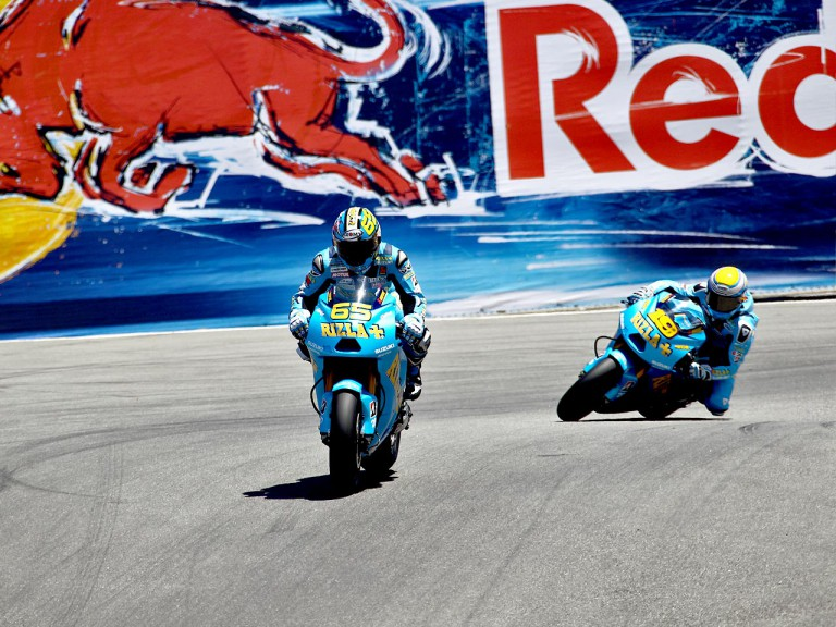 The Rizla Suzuki team Bautista and Capirossi in action