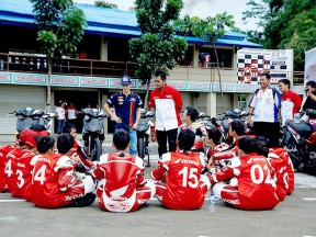 Dani Pedrosa visits Sentul Circuit at Indonesia
