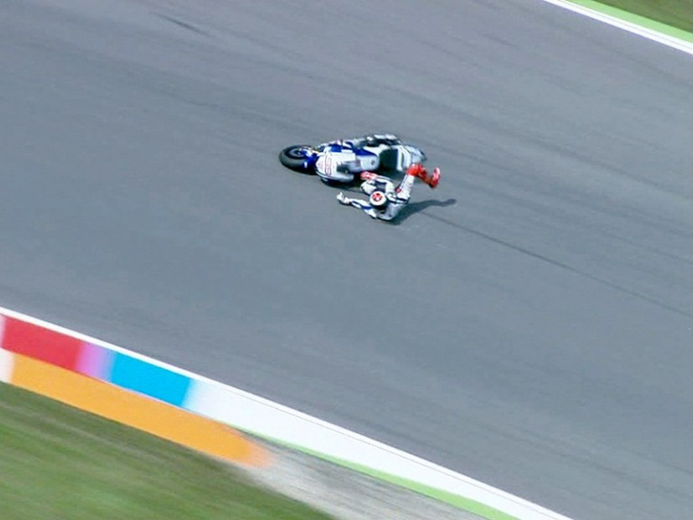 Lorenzo crashes during the QP in Brno