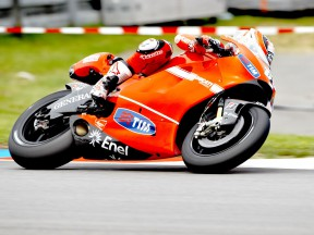 Nicky Hayden in action in Brno