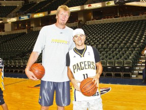 Ben Spies meets Rik Smits at Indianapolis