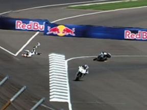 Indianapolis 2010 - Moto2 - FP2 - Action - Yusuke Teshima - Crash