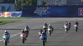 Der Red Bull Ajo Motorsport Fahrer setzte sich erneut als Schnellster durch und fuhr vor Sandro Cortese und Titelrivale Nico Terol Bestzeit.