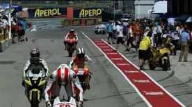 O piloto da Repsol Honda levou a melhor sobre Jorge Lorenzo e Casey Stoner em fantásticos duelos pela primeira posição da grelha do Gran Premio Aperol di San Marino e della Riviera di Rimini, que se realiza domingo. Valentino Rossi qualificou-se para a sua corrida caseira na quarta posição.