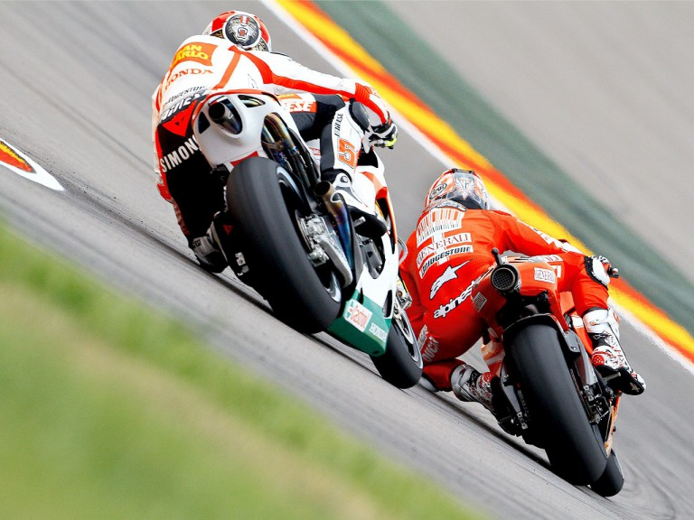 Marco Simoncelli chasing Nicky Hayden at Motorland Aragón