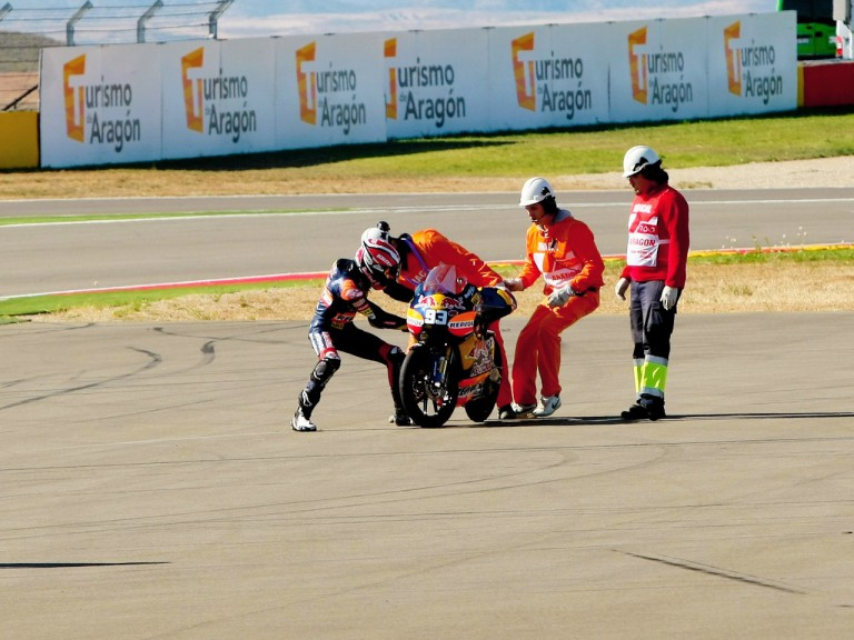 Marquez and Krummenacher crash during the 125cc race at Motorland Aragón