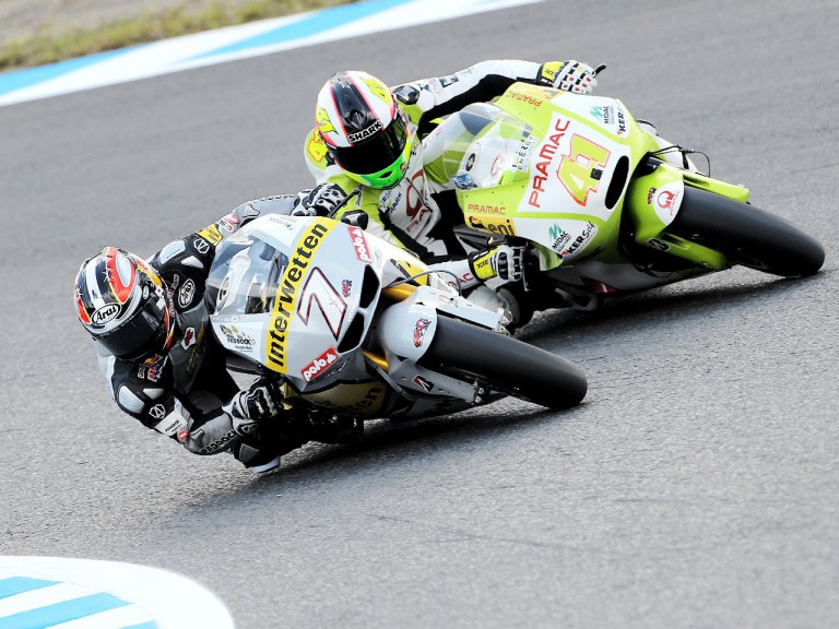 Aoyama and Espargaró in action at Motegi