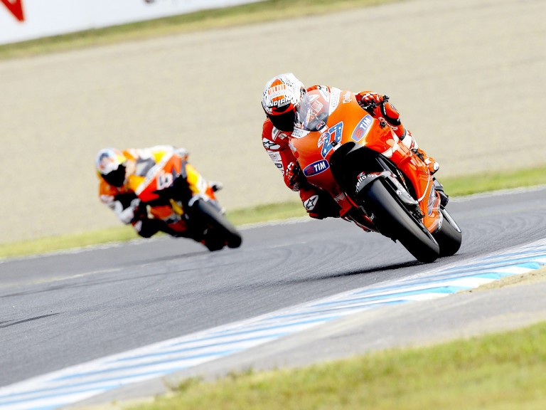 Stoner riding ahead of Dovizioso at Motegi
