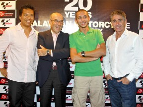 Sepang CEO Razlan Razali celebrates 20 year of MotoGP in Malaysia with Carmelo Ezpeleta, Valentino Rossi and Mick Doohan