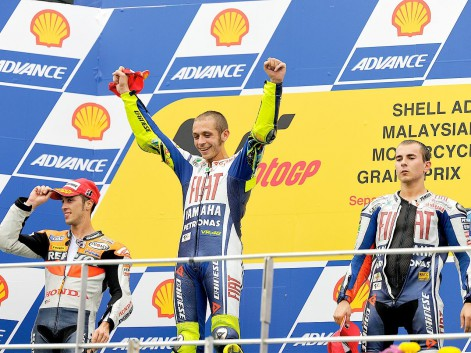 http://photos.motogp.com/2010/10/11/podio.motogp1_preview_big.jpg