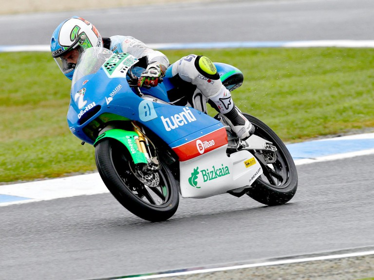 Efrén Vázquez in action at Phillip Island