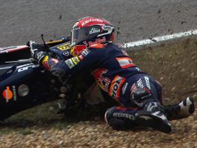 Estoril 2010 - 125cc - Sighting Lap - Action - Marc Marquez - Crash